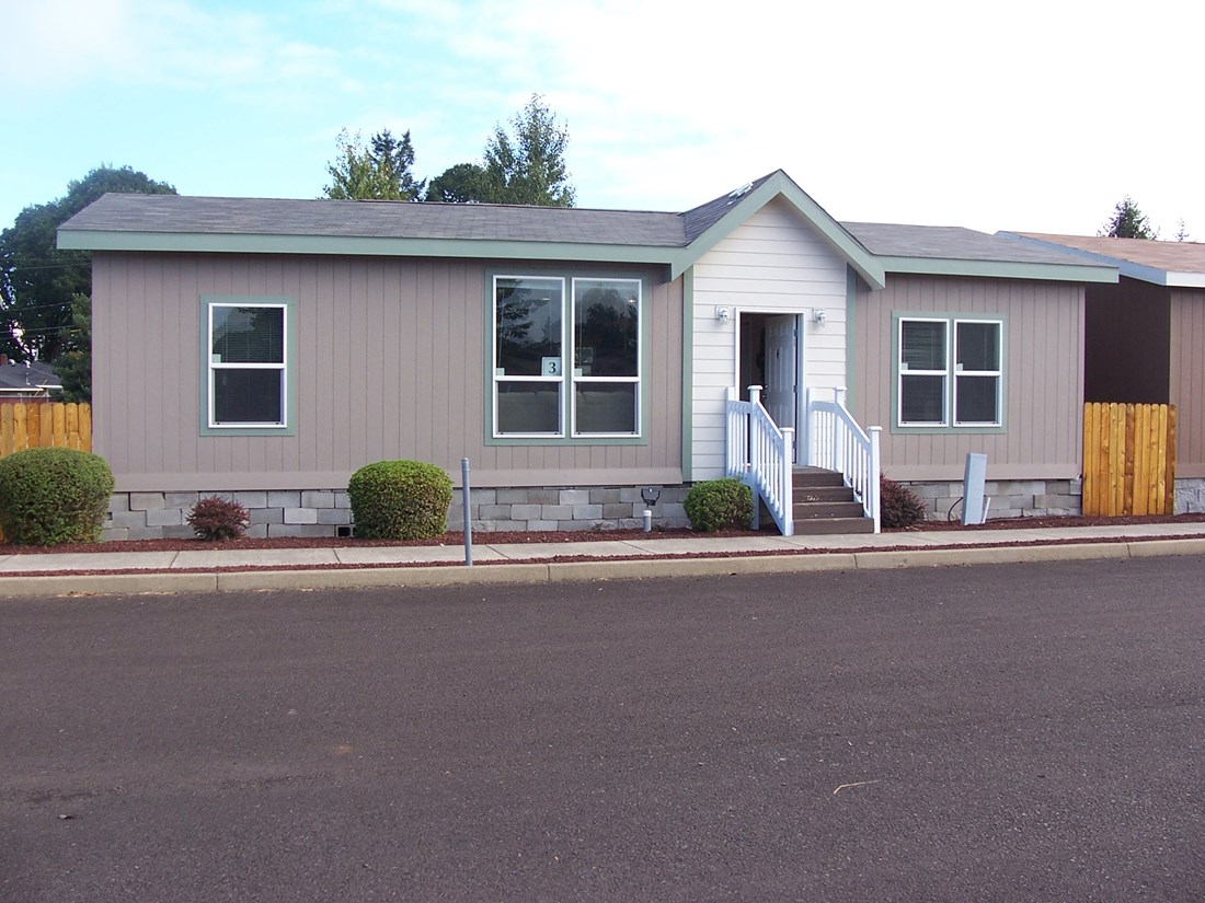 The PREFERRED PLUS CP441F Exterior. This Manufactured Mobile Home features 3 bedrooms and 2 baths.